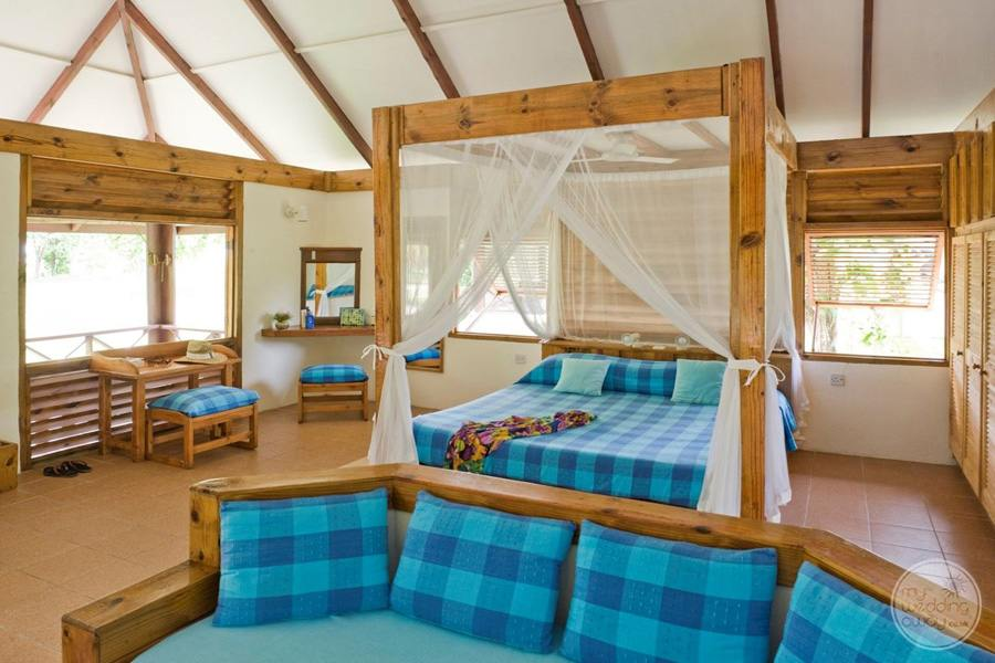 Bird Island Lodge Bedroom