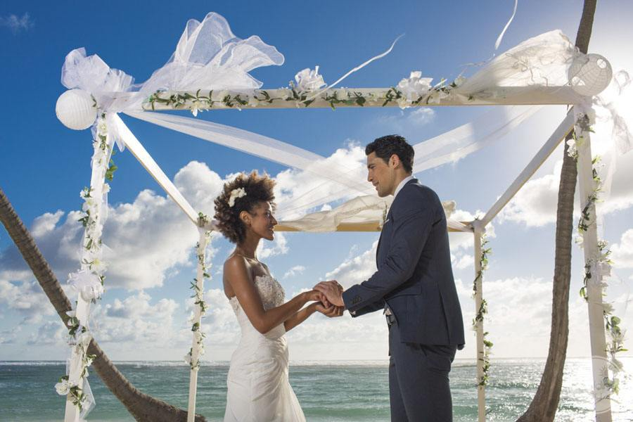 Inspiration- 6 must do's when planning your wedding abroad