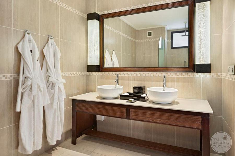 Doubletree by Hilton Seychelles Allamanda Resort and Spa bathroom sinks