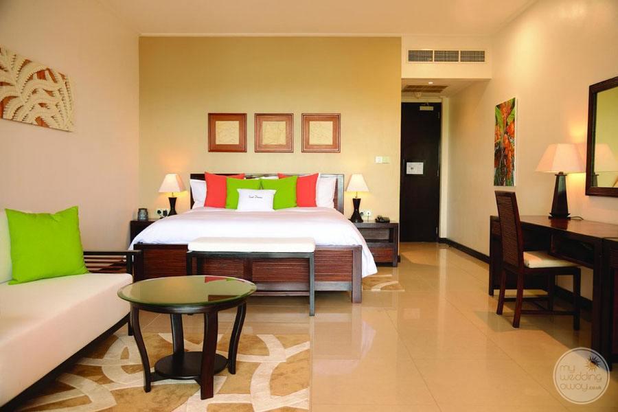 Doubletree by Hilton Seychelles Allamanda Resort and Spa bedroom