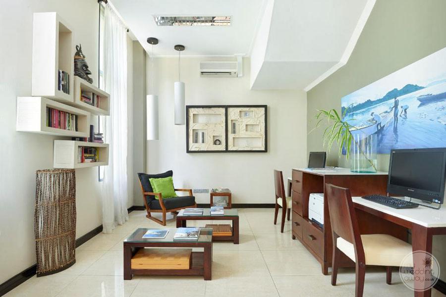 Doubletree by Hilton Seychelles Allamanda Resort and Spa Business Center