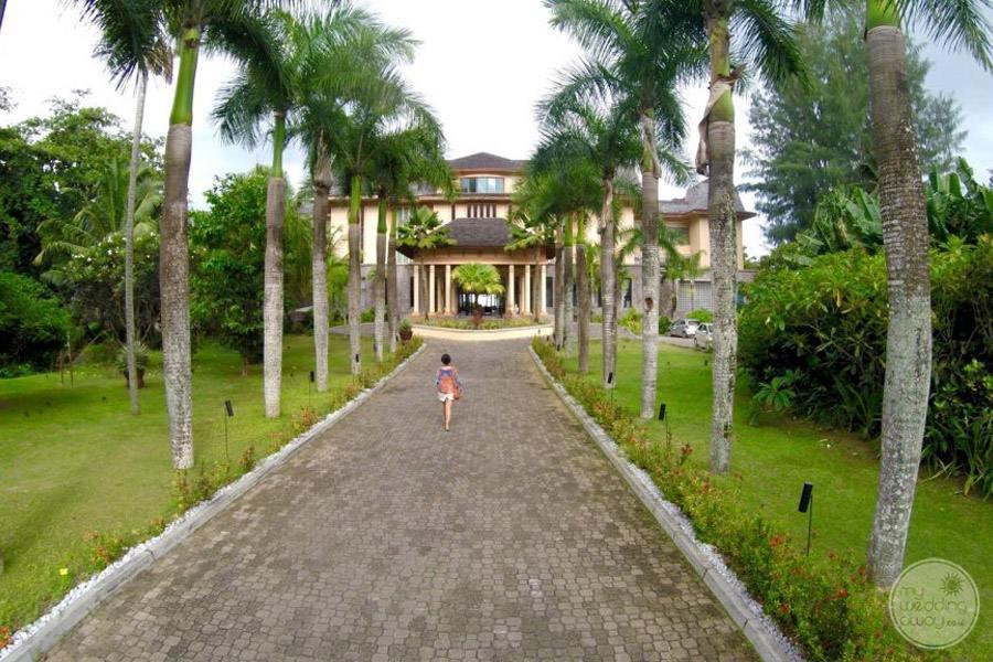 Doubletree by Hilton Seychelles Allamanda Resort and Spa entrance way