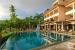 Doubletree-by-Hilton-Seychelles-Allamanda-Resort-and-Spa-infinity-pool
