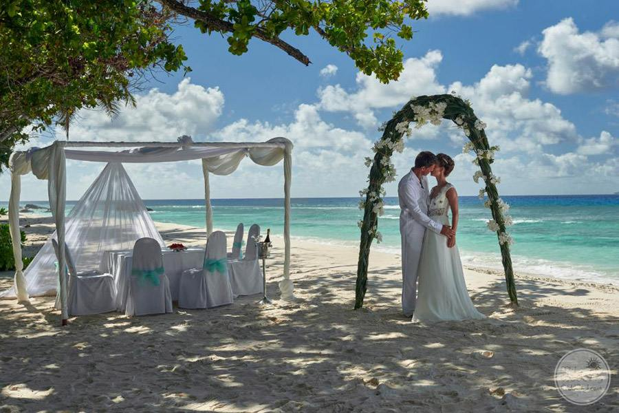 Hilton Seychelles Labriz Resort and Spa beach wedding ceremony