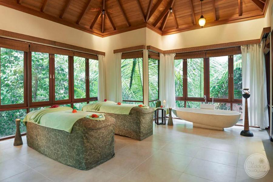 Hilton Seychelles Labriz Resort and Spa massage table