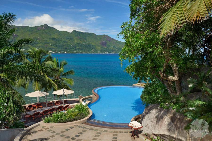 Hilton Seychelles Northolme Resort and Spa infinity Pool and deck