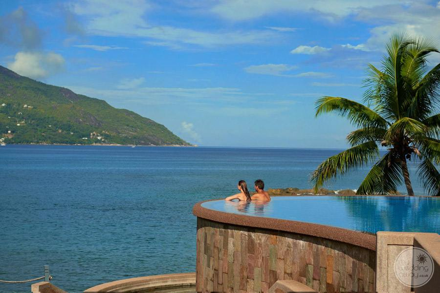 Hilton Seychelles Northolme Resort and Spa infinity Pool