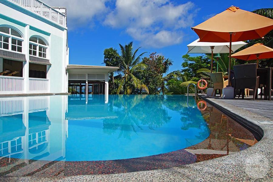 Hotel L'Archipel Seychelles Pool Deck