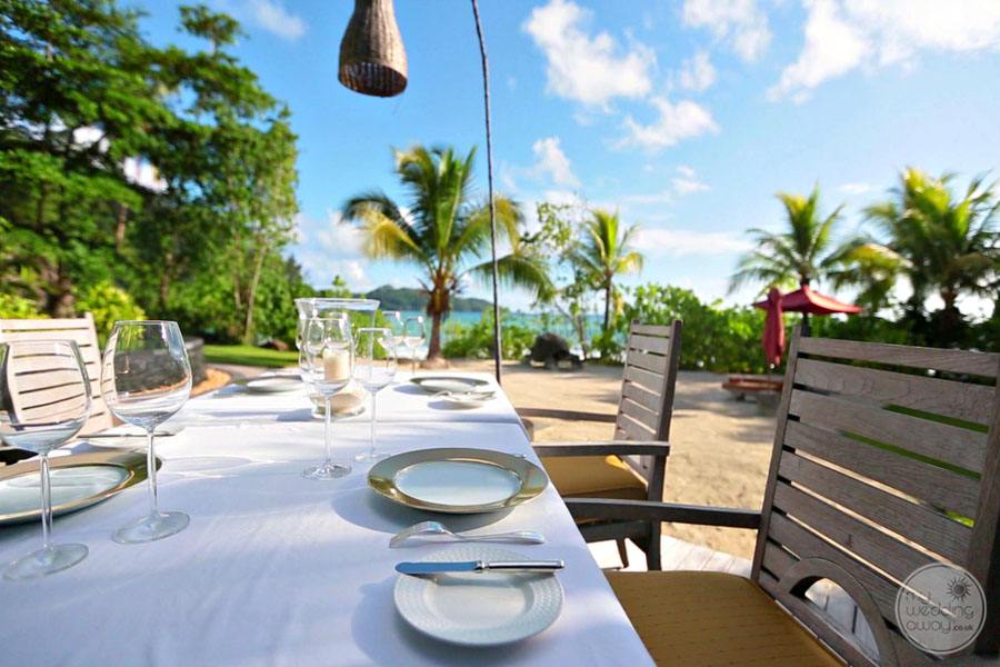 Maia Luxury Resort and Spa breakfast by the anse