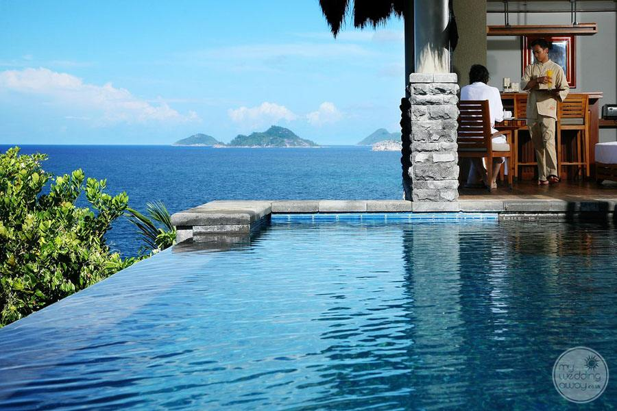 Maia Luxury Resort and Spa Swim out Suite