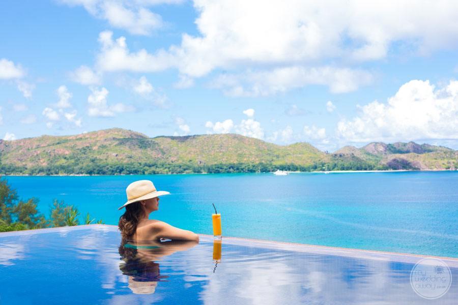 Raffles Seychelles Resort infinity Pool