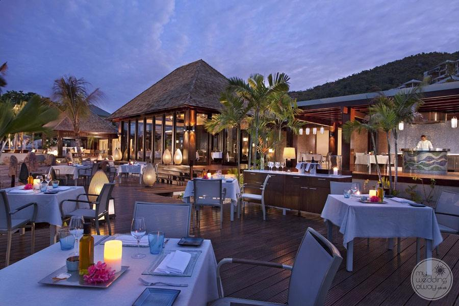 Raffles Seychelles Resort outside restaurant venue