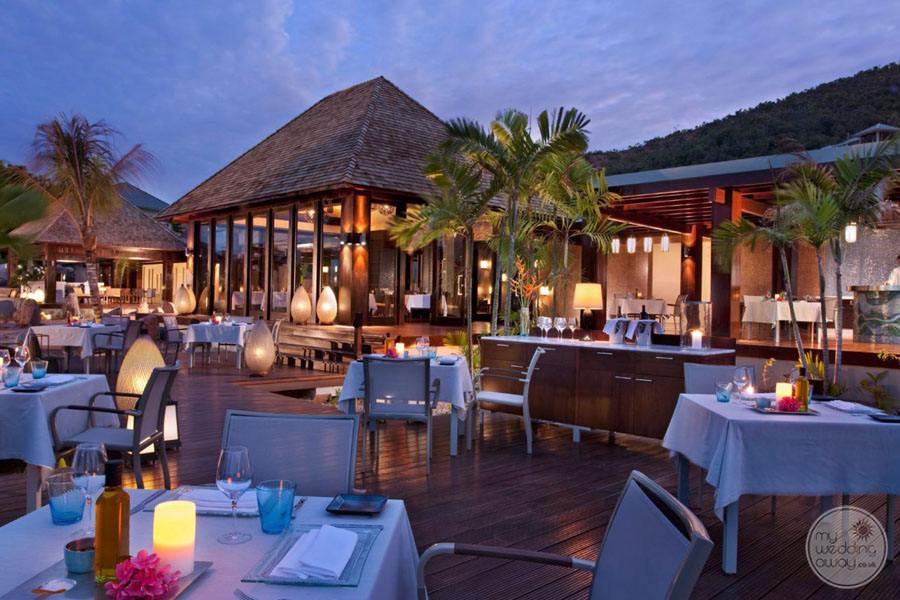 Raffles Seychelles Resort restaurant