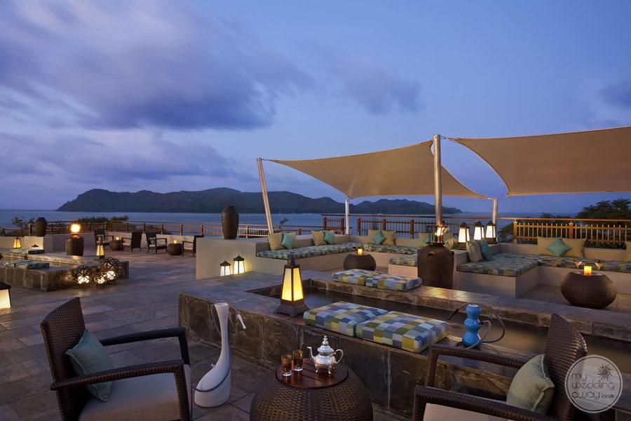 Raffles Seychelles Resort takamaka terrace lounge