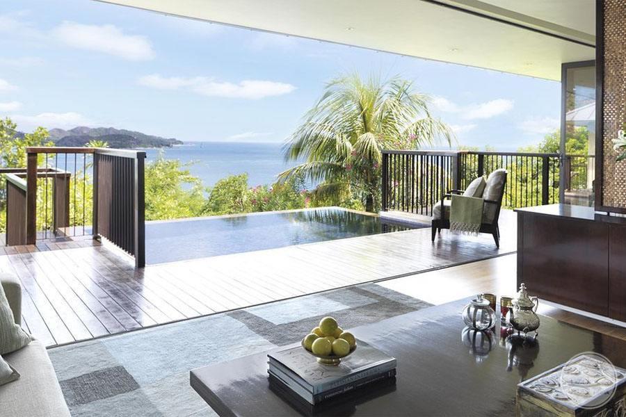 Villa infinity Pool outside bedroom