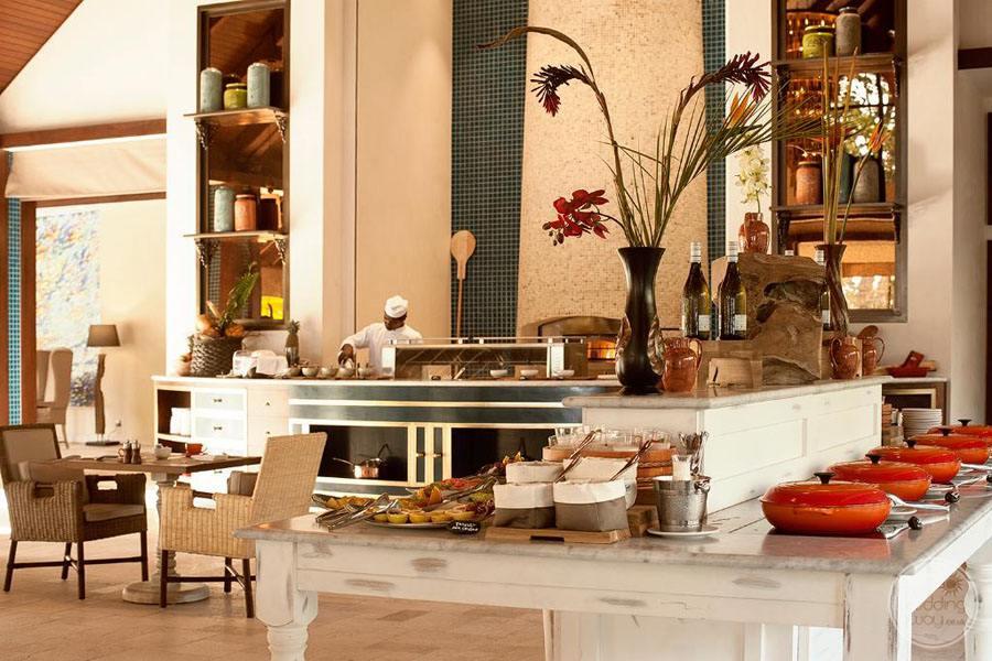 main restaurant with buffet service