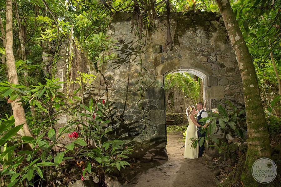 Anse-Chastenet-wedding-at-old-colonial