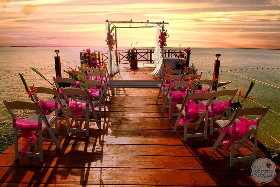 Calabash Cove Oceandeck Reception