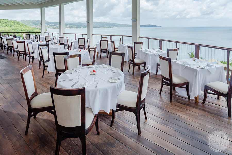 Calabash-Cove-outdoor-dining