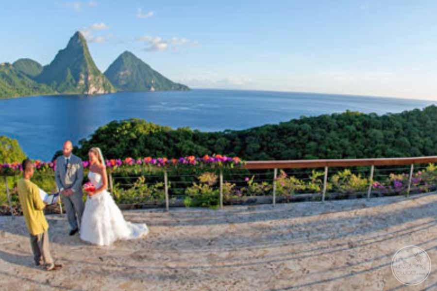 Jade Mountain Scenic Wedding Picture