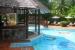 Sandals-Halcyon-beach-swim-up-bar