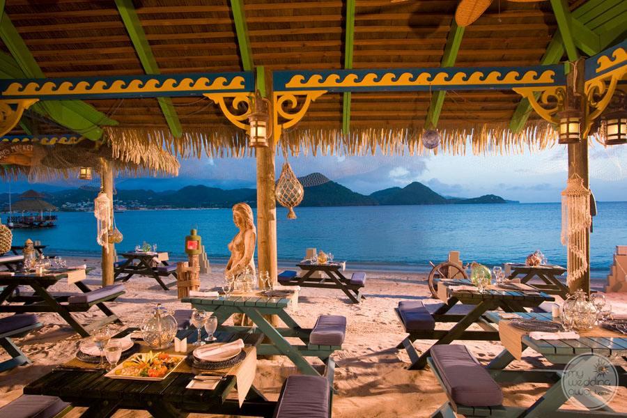 Restaurant Dining Outdoors