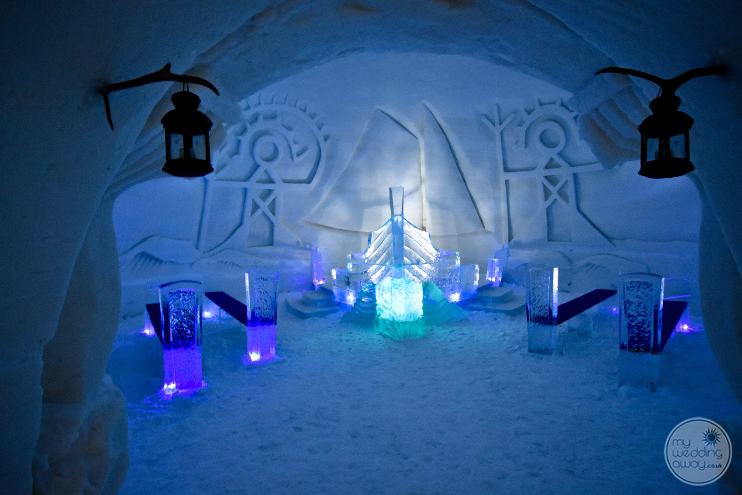 Romantic Wedding Chapel at the Luvattumaa Levi Ice Gallery