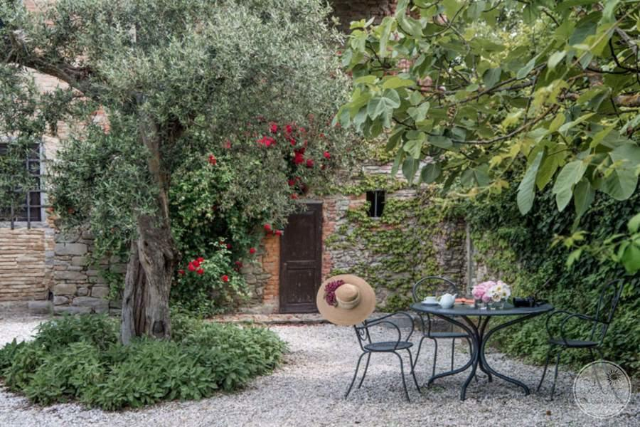 Monsignor Della Casa Resort and Spa Courtyard