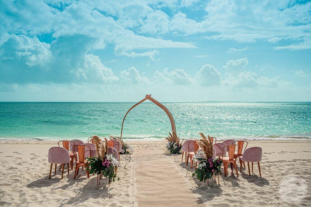 beautiful-beach-playa-mujeres-wedding-ceremony-set-up