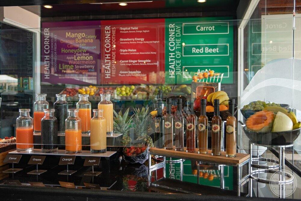 Pelican terrace juice bar with different juices being shown on display