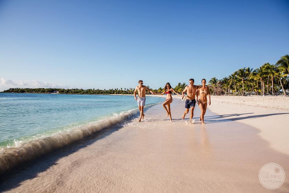 Barcelo-Maya-Grand-Resort-guests-enjoying-the-beachfront