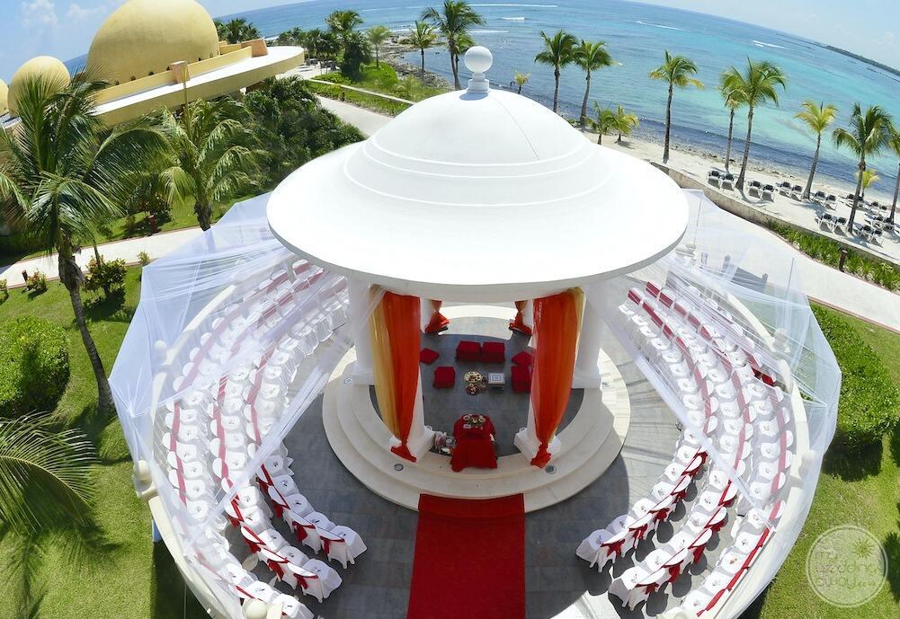 Barcelo-Maya-Grand-Resort-wedding-gazebo-at-Barcelo-Palace