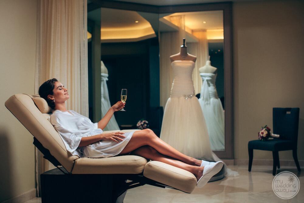 Barcelo-Maya-Grand-Resort-bride-get-ready-suite
