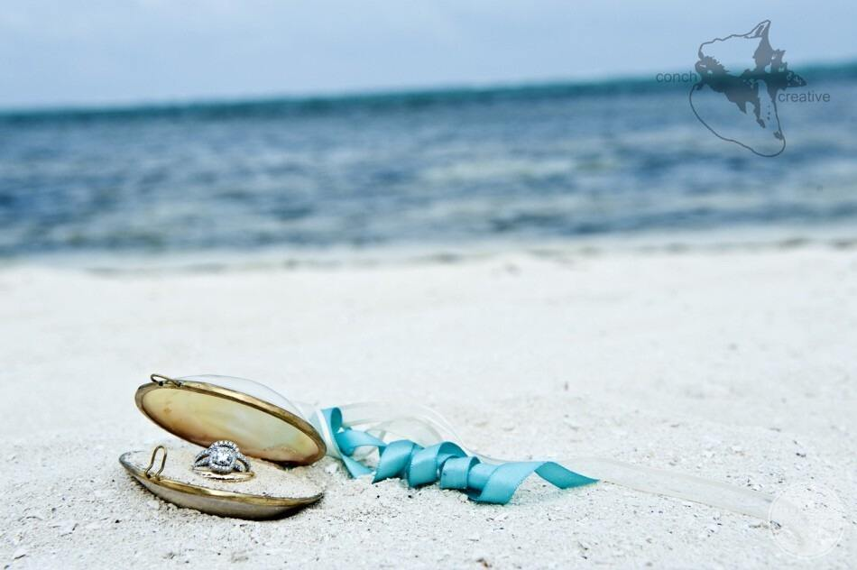 Colourless diamond rings look great in the sand