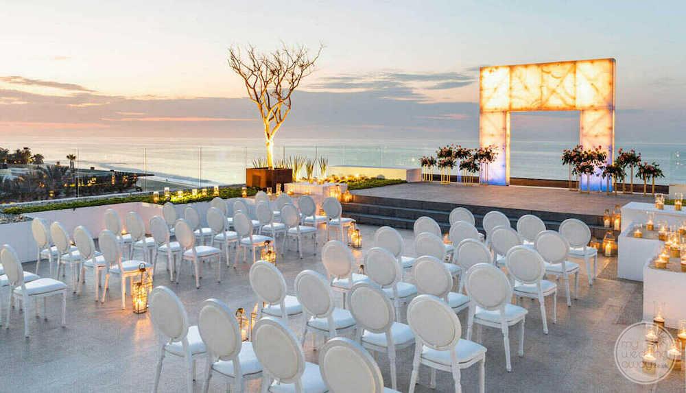 beautiful-Cancun-terrace-wedding-ceremony